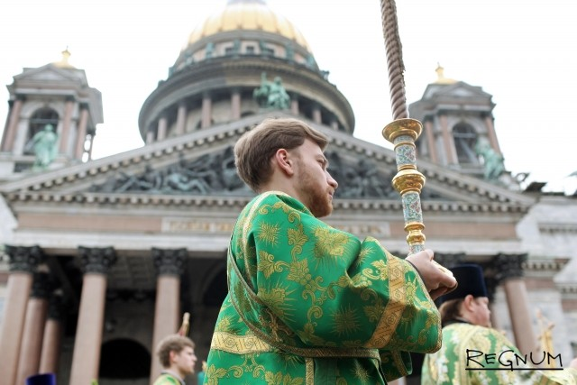 Крестный ход в праздник Входа Господня в Иерусалим