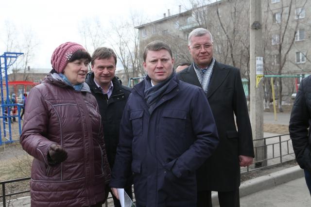 Мэр Красноярска провёл ревизию дворов, благоустроенных в 2017 году