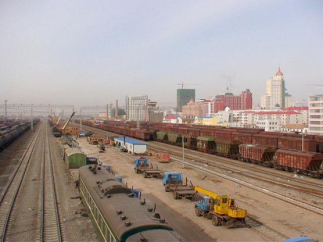 Манджули, старейший и самый активный китайский железнодорожный вокзал на границе с Россией