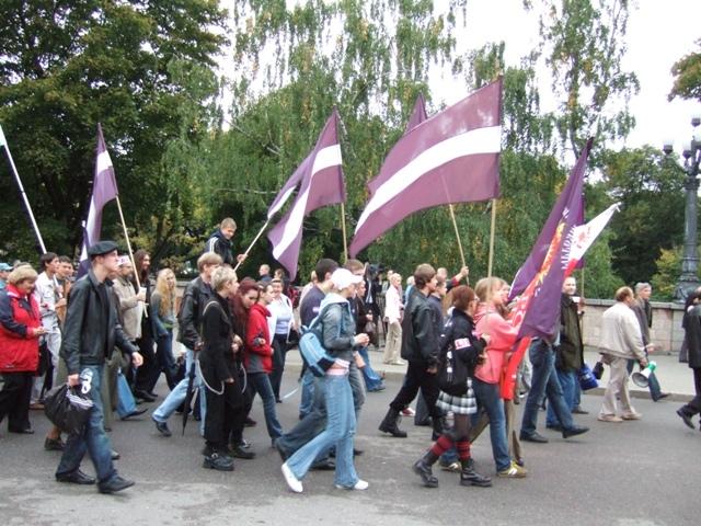 Митинг против негражданства (2005)