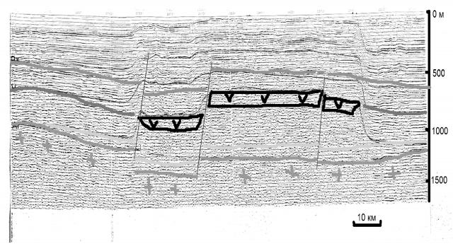 Рис. 14. Данные с рис. 13 в интерпретации А. П. Шиловского. Подобная интерпретация соответствует геофизическим данным, но при этом имеет более правдоподобное геологическое обоснование