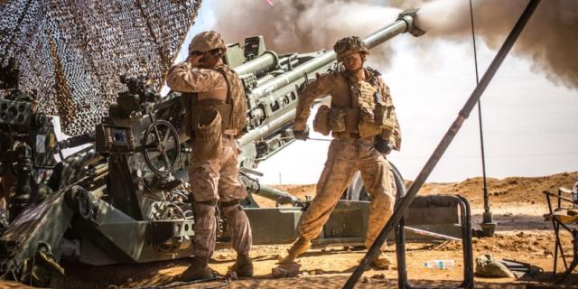 Американские морские пехотинцы ведут бой на территории Сирии