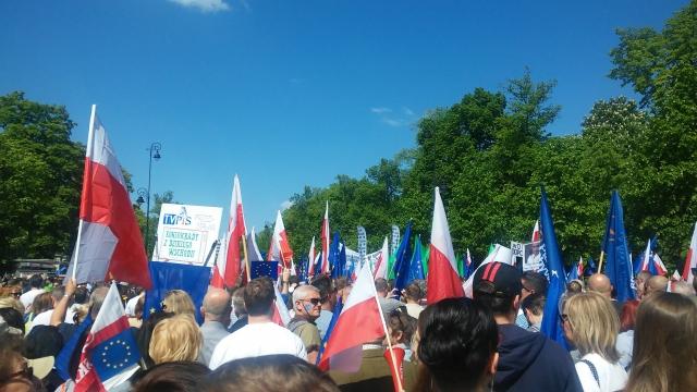 Демонстрация партии «Право и Справедливость» (PiS)