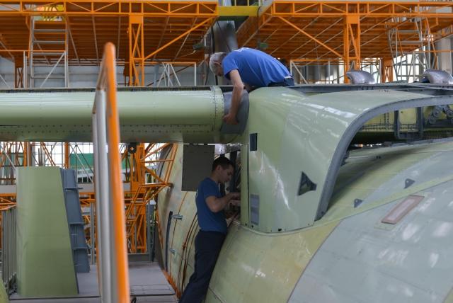 Новейший российский военно-транспортный самолет Ил-112В — в сборочном цехе