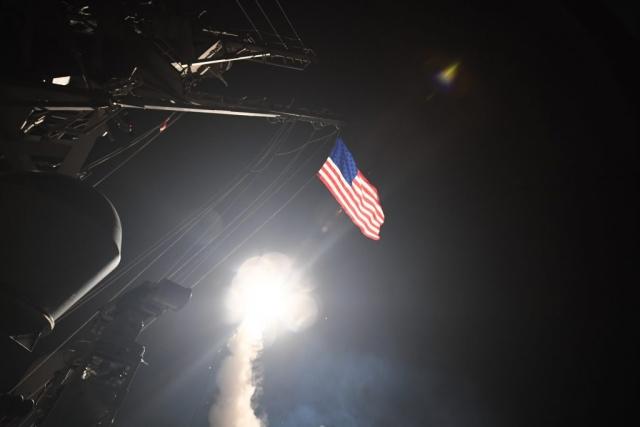 Запуск крылатых ракет Томагавк по Сирии