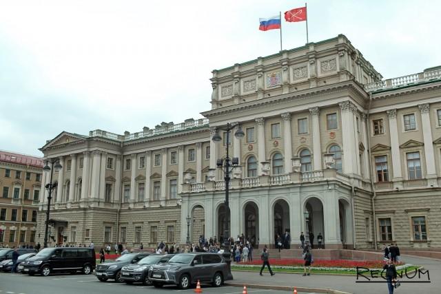 Петербургский парламент вмешался в семейную тяжбу о воспитании детей
