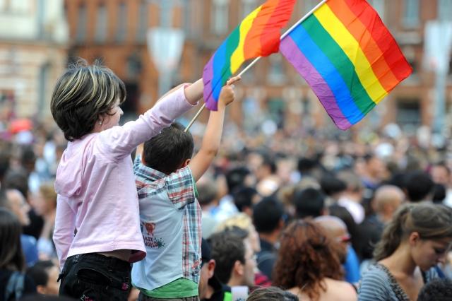 Дети на гей-параде
