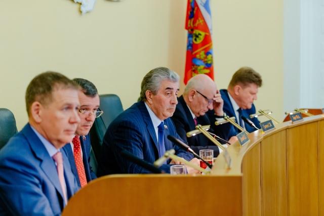 Заседание Законодательного Собрания под председательством Сергея Грачева