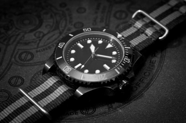 Досмотр на миллион: у жительницы Ямала украли в аэропорту брендовые часы