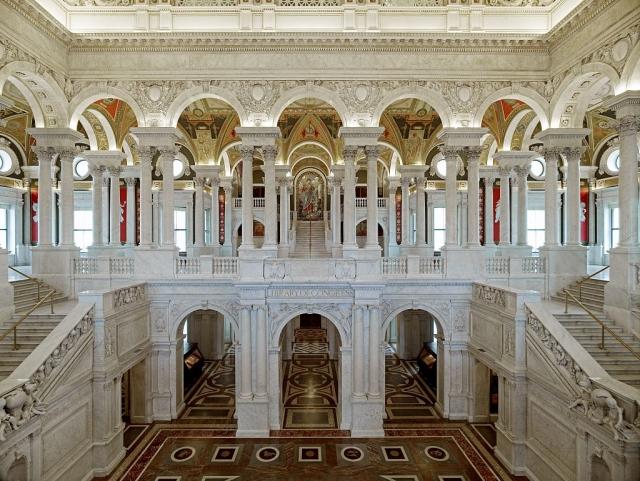Вид на первый и второй этажи Библиотеки Конгресса США