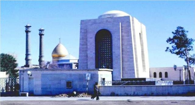 Над Тегераном всплывает тень шаха Резы Пехлеви