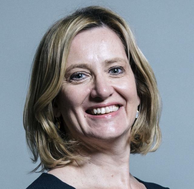 Глава МВД Великобритании объяснила решение об отставке