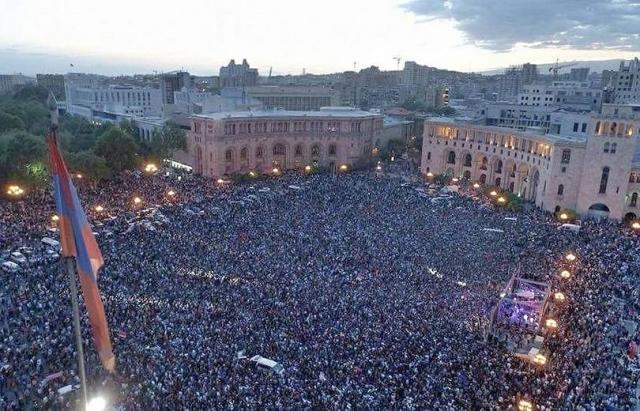 Государственное управление в Армении начало давать сбои