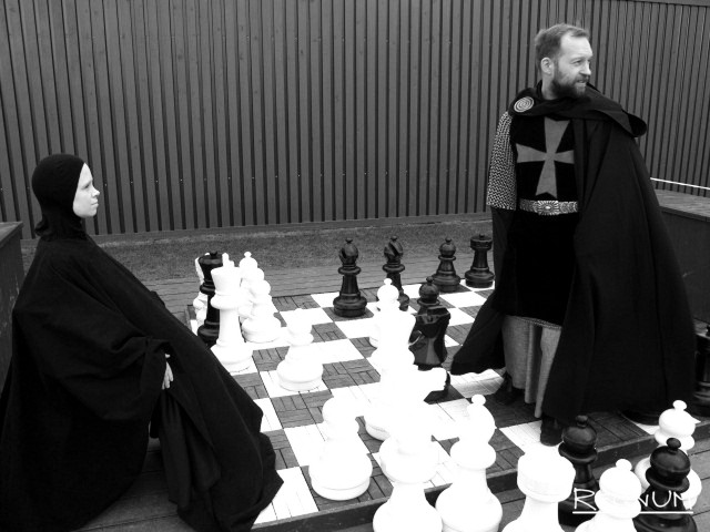 Реконструкция фильма Ингмара Бергмана «Седьмая печать». Даниил Вяткин в роли рыцаря