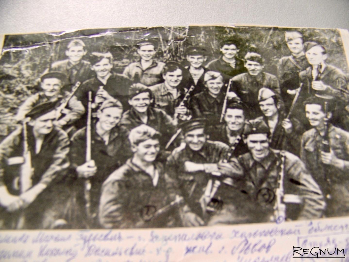 Бойцы-краснофлотцы 255-й Таманской бригады морской пехоты