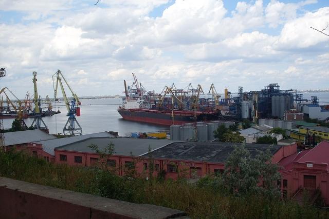 Порты ДФО: Хабаровский край теряет грузы, Сахалин разоряется на их доставке