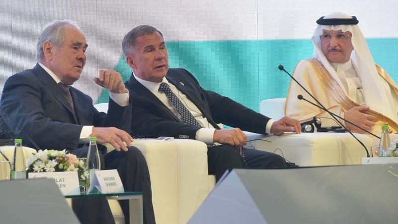 Рустам Минниханов и Минтимер Шаймиев на X Международном экономическом саммите «Россия — Исламский мир: KazanSummit»