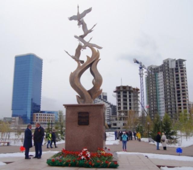 Подростки осквернили памятник ветеранам войны в Красноярске