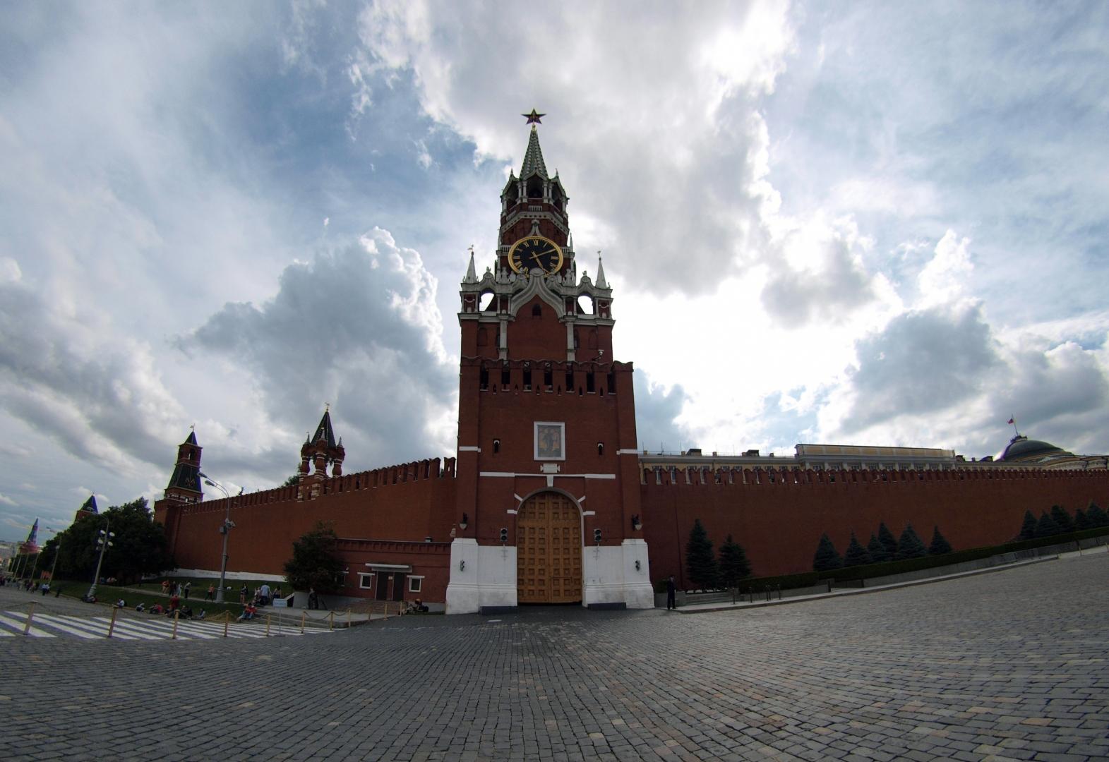 фото спасской башни на красной площади креативные