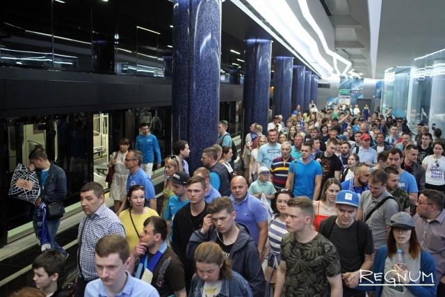 Вестибюль метро «Новокрестовская»
