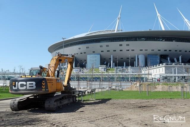 Стадион «Новая Арена» и строительный кран