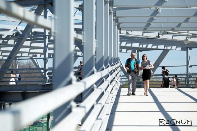 Мост-проход к стадиону