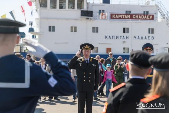 Ледокол «Капитан Чадаев» встречает гостей