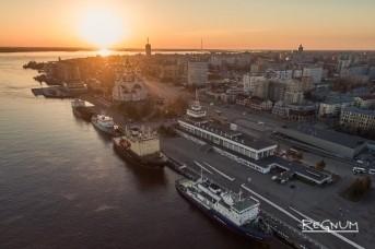 Ледоколы прибывают в Архангельск