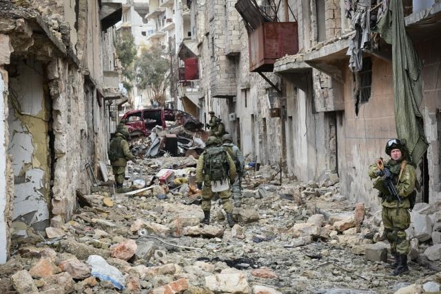 Работа сапёров Международного противоминного центра Министерства обороны России в Алеппо (Сирия)