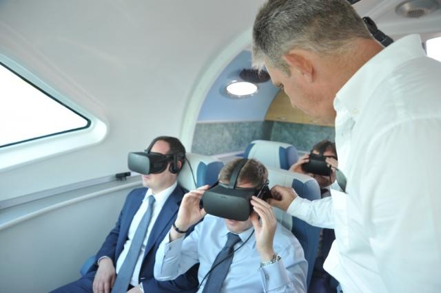 Главе Ростуризма в Ярославле надели виртуальные очки