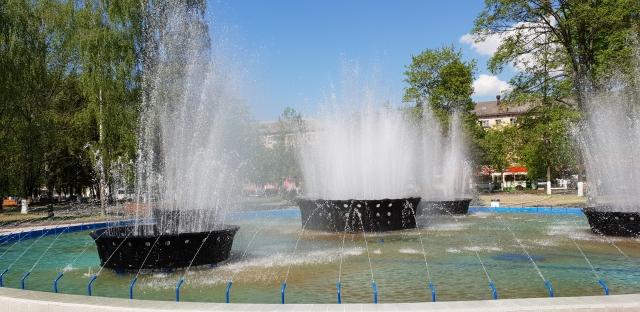 В Ярославле заработал скандальный фонтан