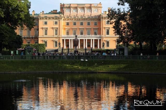 В Петербурге 117 музеев откроют свои двери ночью