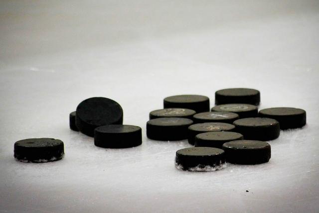 Сборная России по хоккею проиграла сборной Швеции в матче чемпионата мира
