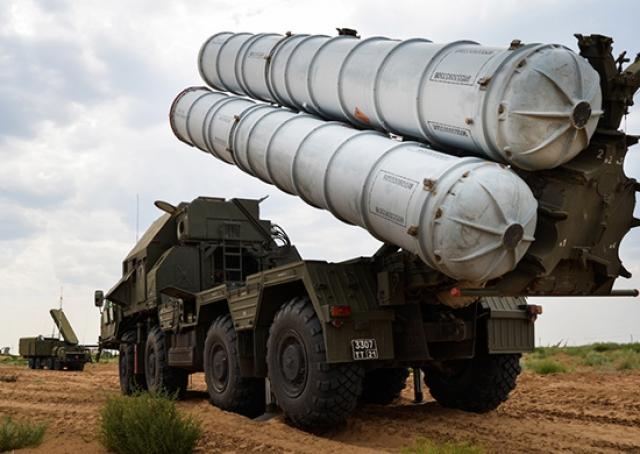 Зенитный ракетный комплекс С-300
