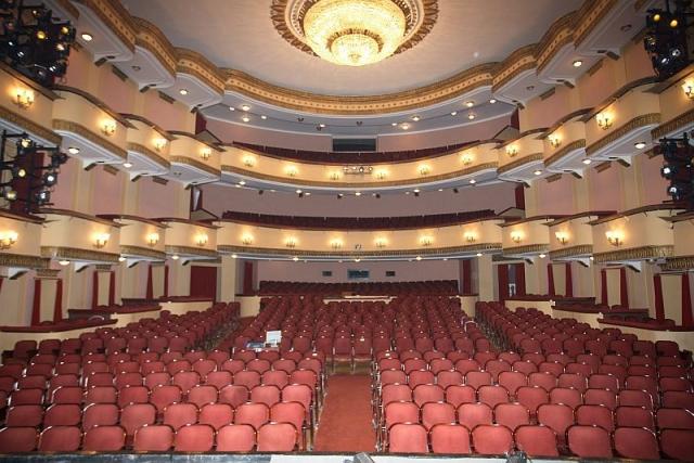 Зрительный зал Большой сцены театра имени Вахтангова