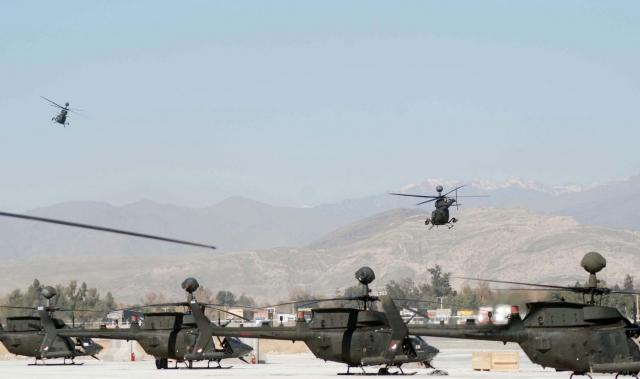Американские вертолёты в Джелалабаде