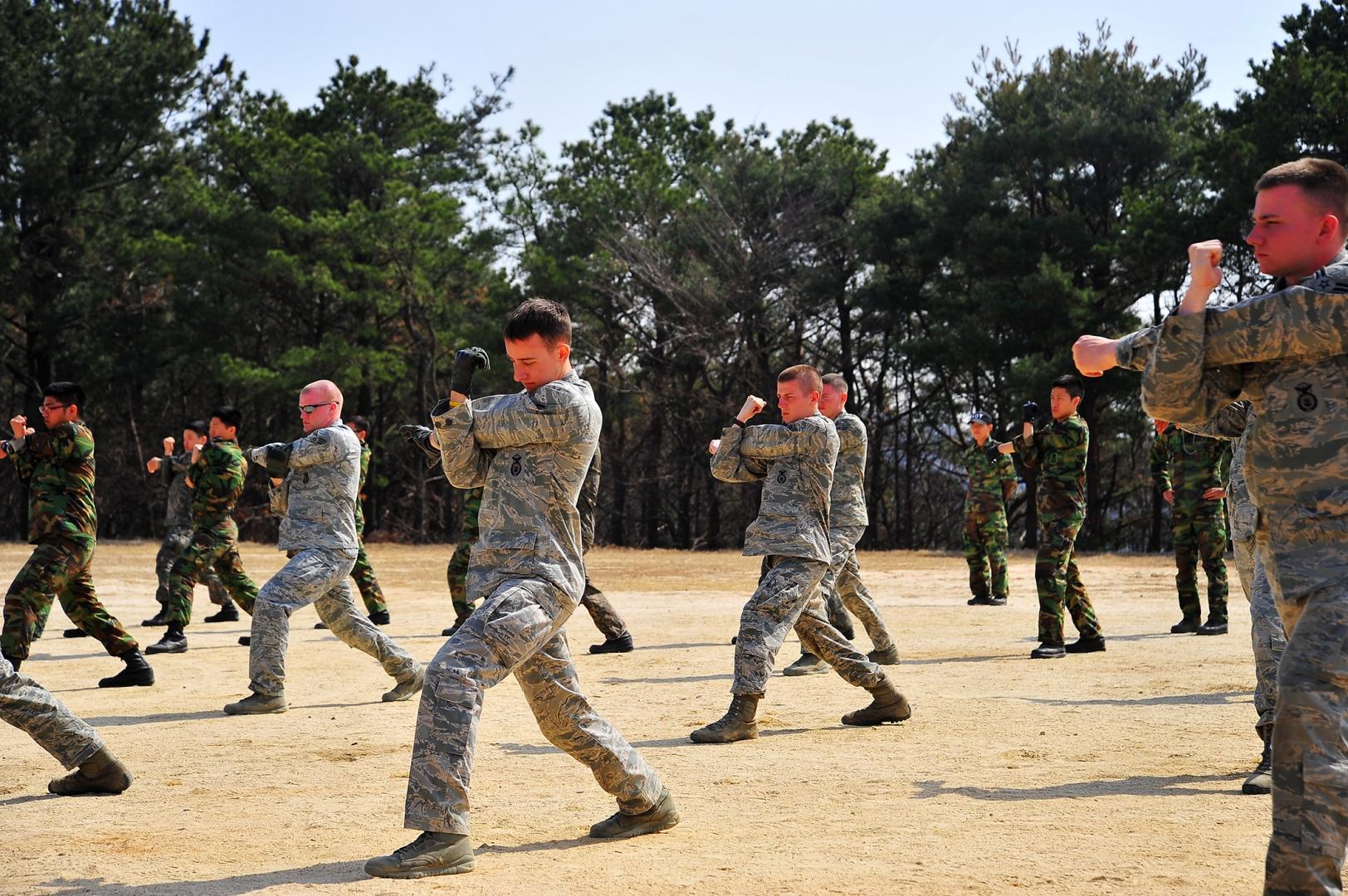 Военные США и Южной Кореи на совместных учениях