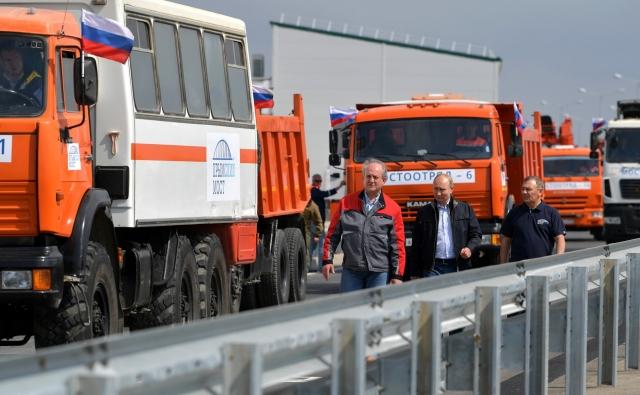 Транспортный поток по мосту в Крым превысил показатели паромной переправы