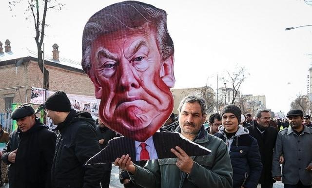 Портрет Дональда Трампа на антиамериканской демонстрации в Иране