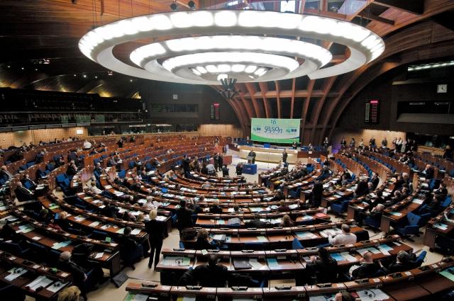 ПАСЕ наказал главу делегации Азербайджана из-за «девушек легкого поведения»