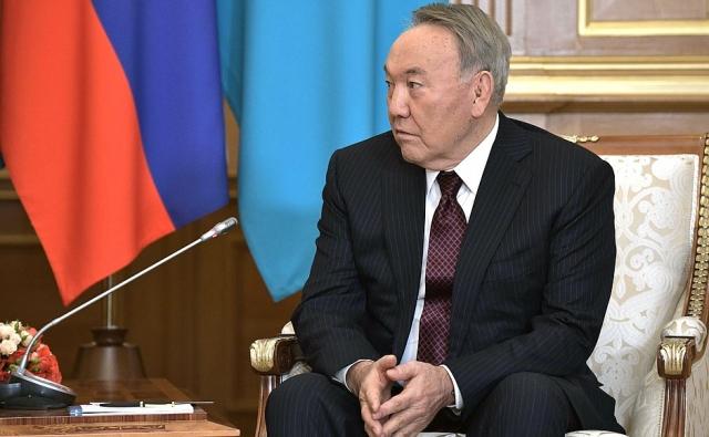 Назарбаев: Казахстан становится транзитным государством