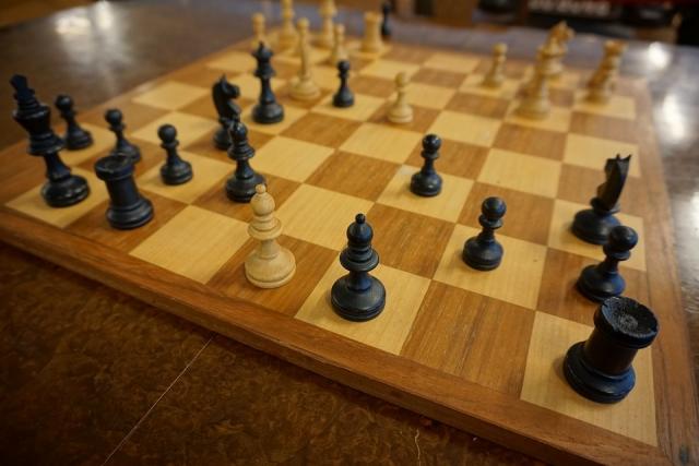 В школах Павлодарской области Казахастана ввели игру в шахматы