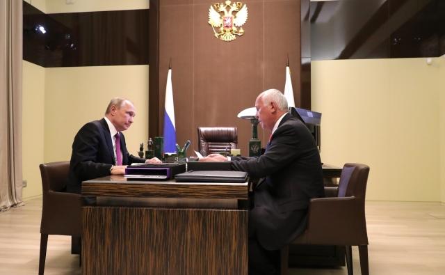 Глава Ростеха рассказа Путину про мотоциклы «Кортеж»