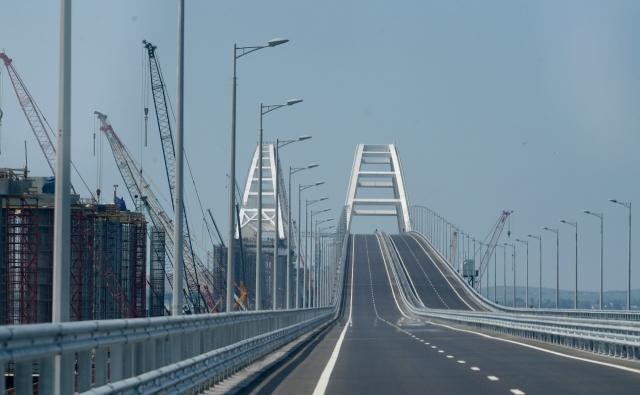 Опасения обоснованы исторически: режиссер о призывах взорвать Крымский мост
