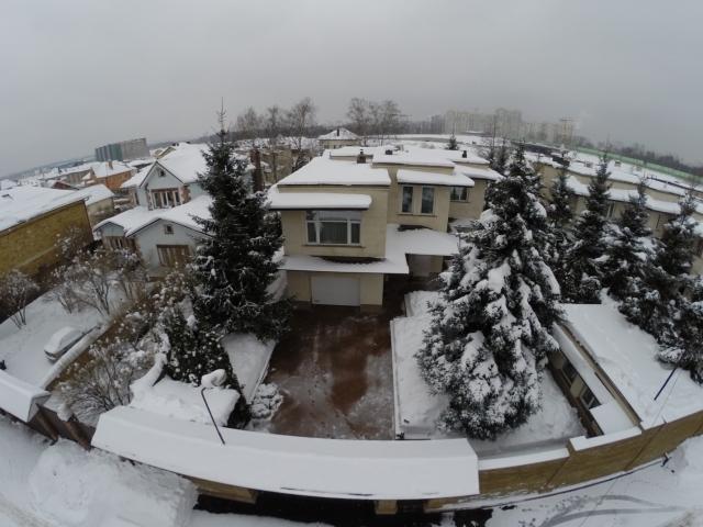 Мать-пенсионерка судьи Хахалевой купила особняк на Рублевке – СМИ
