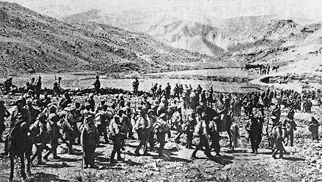 Русская армия вступает в город Трапезунд на территории турецкой Армении. 1916