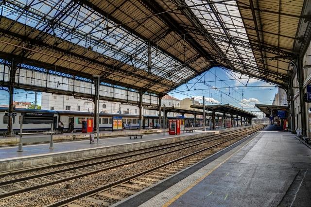 Франция погасит долги государственной железнодорожной компании
