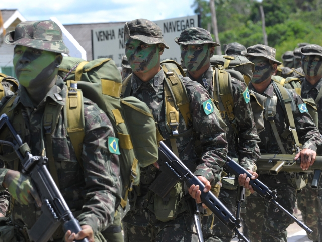 Президент Бразилии направил армию на разгон протеста дальнобойщиков