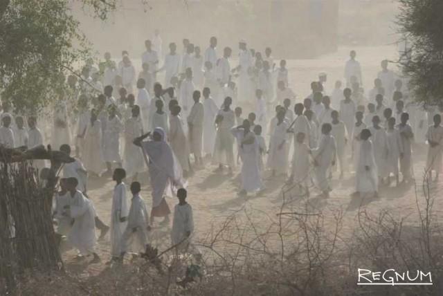 Судан, Малам. Май 2006 года  Дети, идущие в школу  Фотограф: Борис Хегер