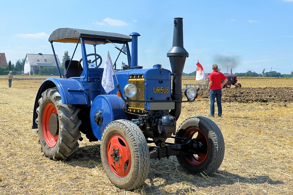Трактор на польской ферме